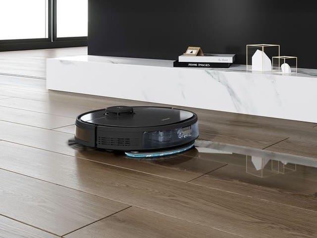 Robot-lavapavimenti-vs-robot-aspirapolvere
